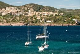 Blick von Osten über die Bucht von Agay auf die Feriensiedlung Cap Esterel