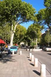 Cours Mirabeau, die Flaniermeile von Aix-en-Provence