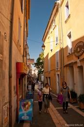 Gasse in der Altstadt von Apt