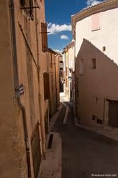 Enge Gasse in der Altstadt von Brignoles
