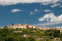 Ausblick von Callian auf das benachbarte Dorf Montauroux