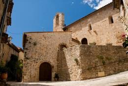 Die Chapelle des Pénitents aus dem 12. Jahrhundert unweit des Schlosses von Callian