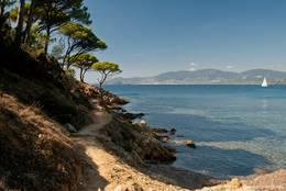 Eine der vielen Buchten auf dem Weg zum Cap Lardier