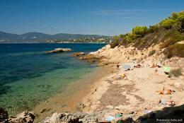 Kleine Bucht mit Strand (Plage de Jovat) auf dem Weg zum Cap Lardier