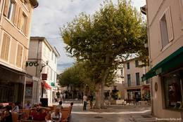 Im Zentrum von Cassis gibt es zahlreiche Restaurants und Cafés