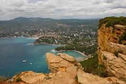 Blick von den Klippen des Cap Canaille auf die Bucht von Cassis