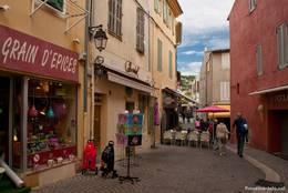 Hübsche Straße im Zentrum von Cassis