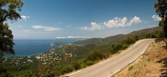 Ausblick auf das Mittelmeer vom Col du Canadel