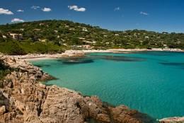 Die Côte d'Azur am Plage de l'Escalet auf der Halbinsel von Saint-Tropez
