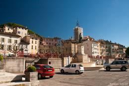 Die Altstadt von Digne-les-Bains mit der Kathedrale Saint-Jérôme