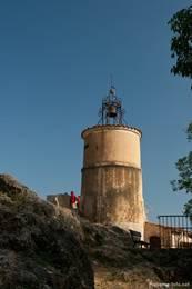 Von diesem Glockenturm bietet sich ein schöner Ausblick über Fayence und die umliegende Landschaft des Départements Var