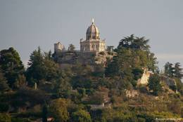Die Zitadelle mit der Kapelle Notre-Dame-de-Provence thront über Forcalquier