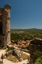 Ausblick von der Festung über das alte Dorf Grimaud