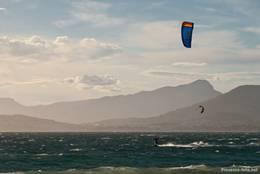 Kitesurfer im Westen der Halbinsel Giens