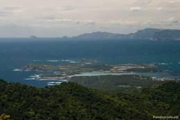 Blick aus der Nähe der Kapelle Notre-Dame du Mai auf die Îles des Embiez
