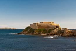 Die Festungsanlage von La Tour Fondue
