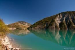 Der Lac de Castillon mit seinem türkisfarbenen Wasser liegt am Oberlauf des Verdon