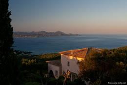 Noch ein Traumhaus in den Hügeln von Les Issambres mit ebenso schönem Ausblick auf das Mittelmeer