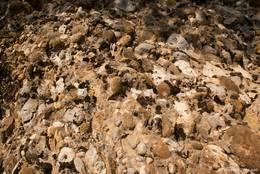 Das Gestein der Felsformation Les Pénitents in der Nahaufnahme