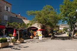 Souvenirladen in den Straßen von Les Salles-sur-Verdon