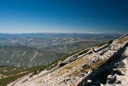 Ausblick vom Mont Ventoux in Richtung der französischen Alpen