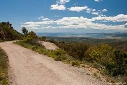 Kurve mit Aussicht auf dem Weg zum Mont Vinaigre