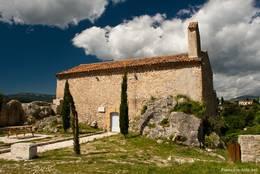 Die kleine Kapelle Saint-Barthélémy im oberen Teil von Montauroux