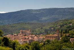 Blick von Montauroux auf das benachbarte Dorf Callian