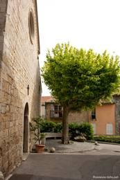 Eingang zur Kirche von Mougins