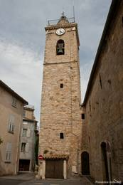 Der Kirchturm im Zentrum von Mougins