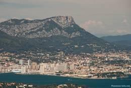Blick von der Kapelle Notre-Dame du Mai auf Toulon