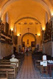 Der Innenraum der Kapelle Notre-Dame du Mai