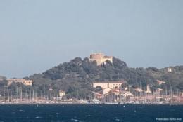 Das Zentrum der Insel Porquerolles mit dem gleichnamigen Hauptort und dem Fort Sainte Agathe