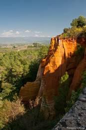 Diese Ockerfelsen kann man direkt vom Dorf Roussillon bestaunen