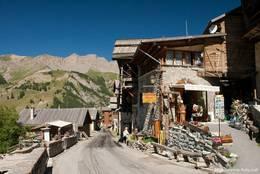 Saint-Véran in den französischen Alpen im Département Hautes-Alpes ist die höchste Gemeinde Europas