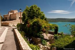 Haus mit Garten in Sainte-Croix-du-Verdon, dazu ein wunderschöner Blick über den Lac de Saint-Croix