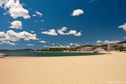 Sandstrand nahe dem Hafen und dem Zentrum von Sainte-Maxime