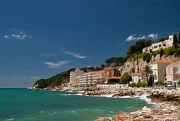 Weitere Ansicht der Ferienanlage unmittelbar neben dem Hafen von Sanary-sur-Mer