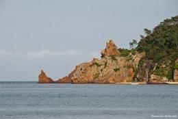 Blick von Théoule-sur-Mer Richtung Pointe de l'Aiguille