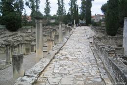 Antike römische Straße in Vaison-la-Romaine