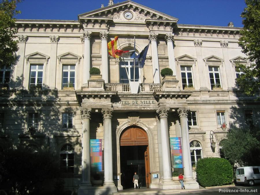 Avignon provence for Hotel avignon piscine