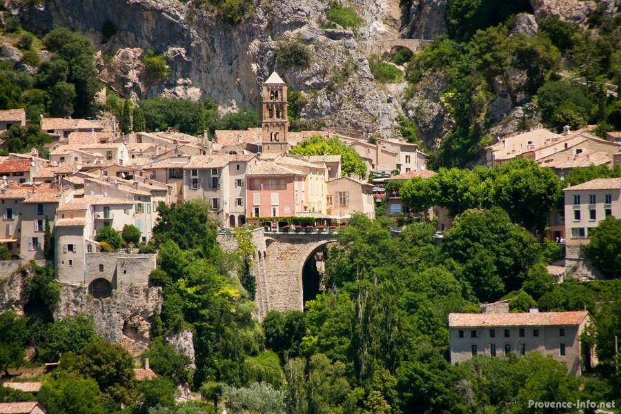Moustiers sainte marie provence - Office du tourisme moustiers sainte marie ...